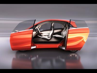 インドのタタ自動車、燃費100キロの電気自動車「タタ・メガピクセル」試作車を発表