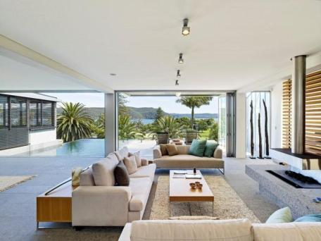 Coastal style a modern australian beach house for Australian home interior designs