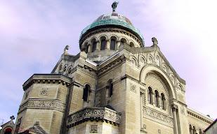 Bazilica Saint Martin tours valea loarei franta