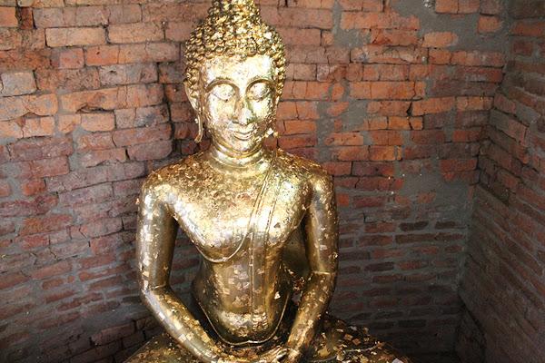 ayuthaya buddha thailand