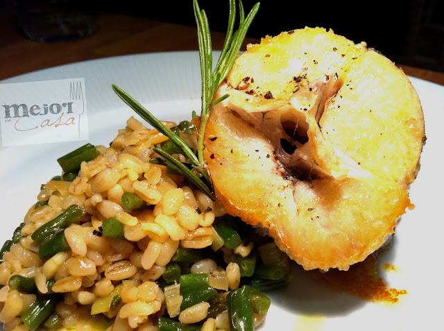 Tronco de merluza con trigo tierno y judía verde restaurante a domicilio Mejor en casa