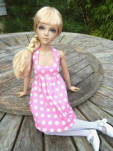Alice (Leona JID Iplehouse) en cure de remise en forme (p 2) Essai%2520perruques30