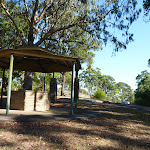 Shelter at Lookout Road Picnic Area in Blackbutt Reserve (399925)