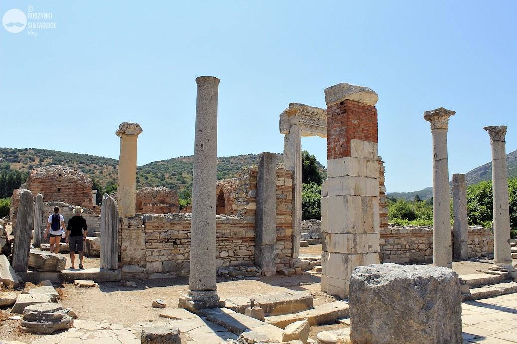Ruiny Kościoła Marii Panny - pierwszej świątyni poświęconej Marii. Tutaj odbył się Sobór Efeski (431 r.)
