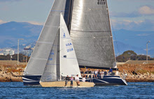 J/24 crushing Starts & Stripes off San Diego in Hot Rum series