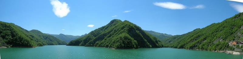 I rami del lago visti dalla diga