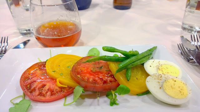 Whole Foods Pearl Brewery dinners, this one is with Hopworks Urban Brewery (HUB). This second course included beets, heirloom tomatoes, beans, and watercress greens in a dijon dressing paired with HUB's DOA American Style Strong Ale