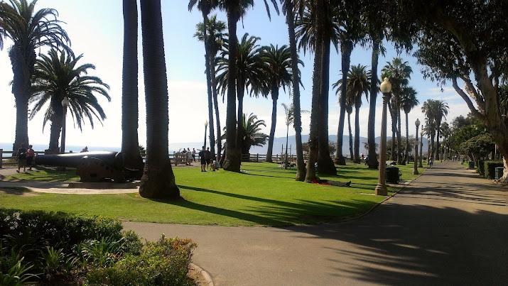Santa Promenade