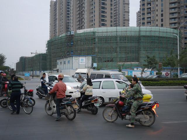 Jiulong Avenue (九龙大道) in Zhangzhou
