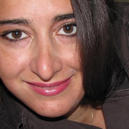 Julie Parisi Photo 14