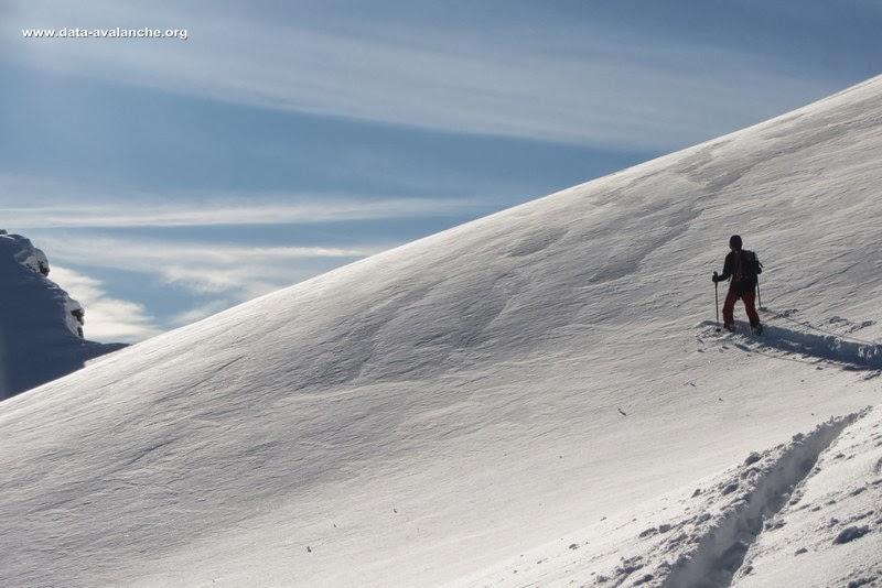 Avalanche Val d'Aoste, secteur Morgex, Crête qui part de la Point Fetita pour faire un couloir orienté ouest. - Photo 1 - © Gentou Bertrand