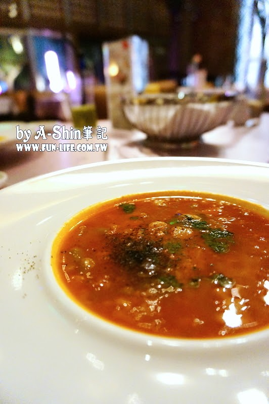 DSC00386 - 台中西屯餐廳|映景觀餐廳,裕元花園酒店景觀餐廳來了,享受浪漫氣氛、美食饗宴。