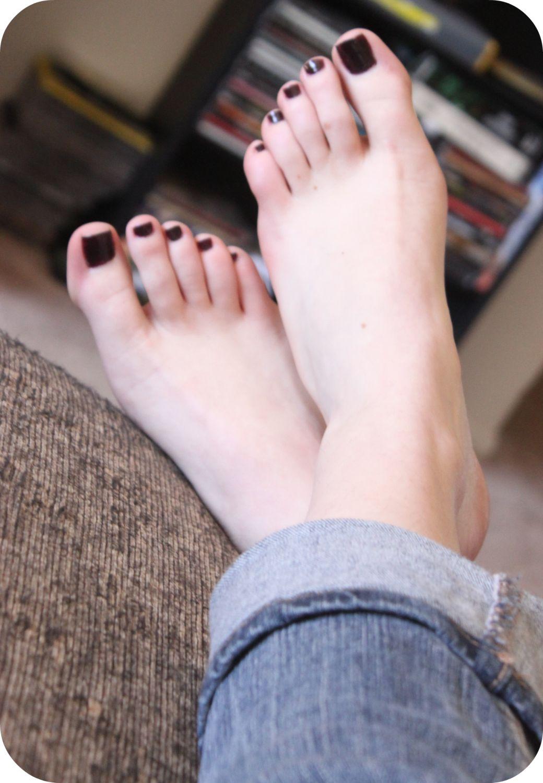 black-painted-toenail-fetish