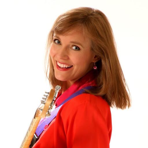Rachel Sumner Photo 32