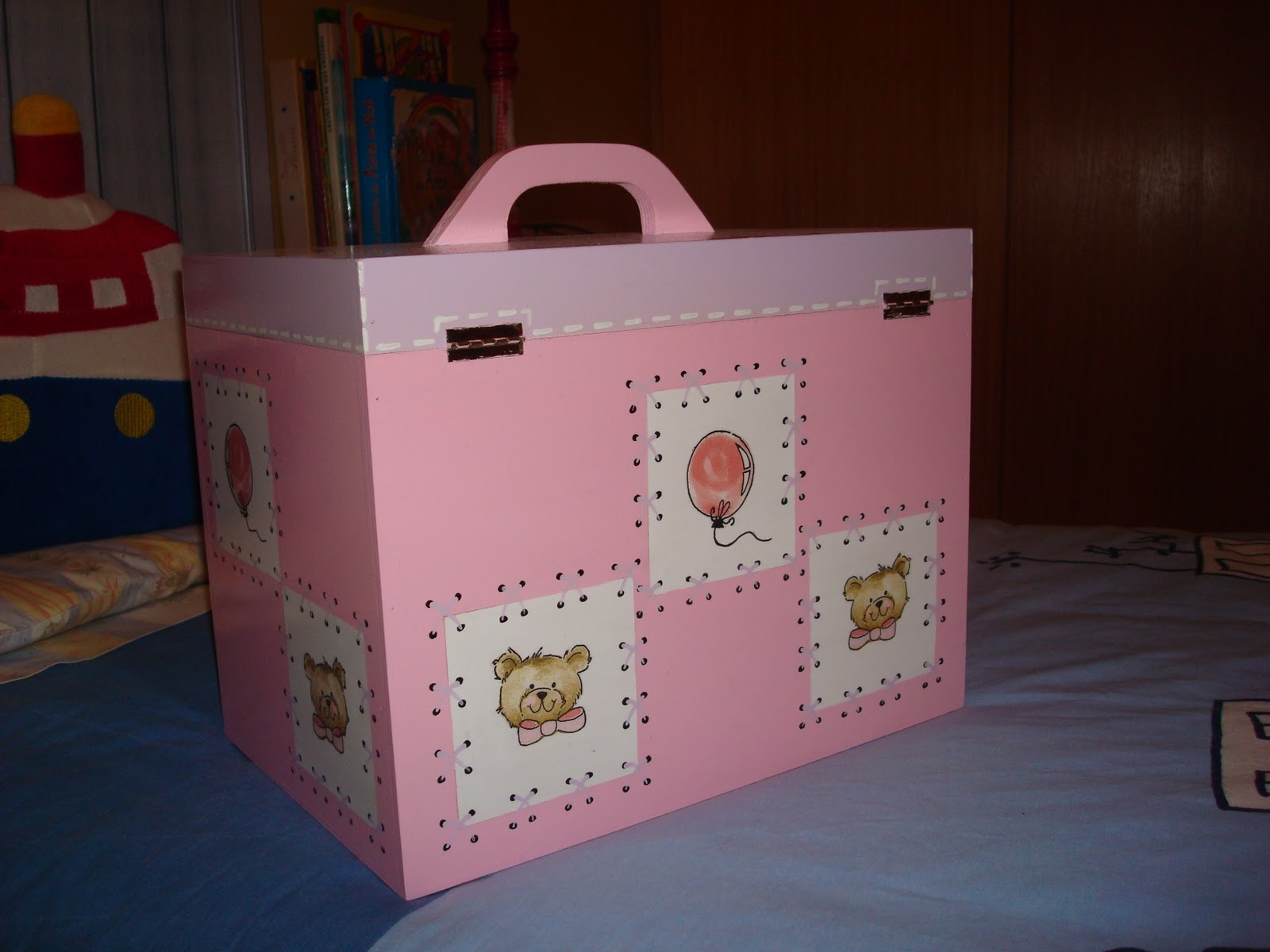 caixa de medicamentos ou necessaire caixa de madeira tintas acrilicas  #814A57 1600x1200