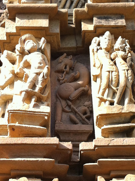 The Vyala of Khajuraho | mindblogging @ my will: a plethora