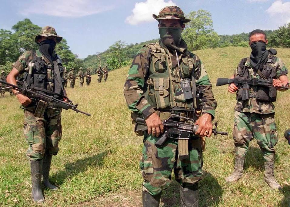 DEA RAID. PARTIDA ABIERTA. LA GRANJA. 9-03-14 Colombia-paramilitares-111811