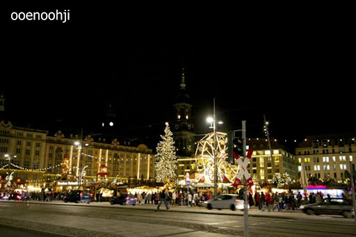 ドレスデン・クリスマスマーケット会場
