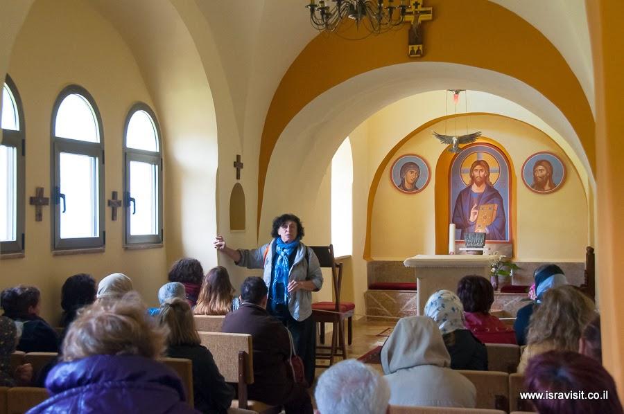 Экскурсовод в Израиле. В церкви монастыря Иоанна Крестителя в пустыне.