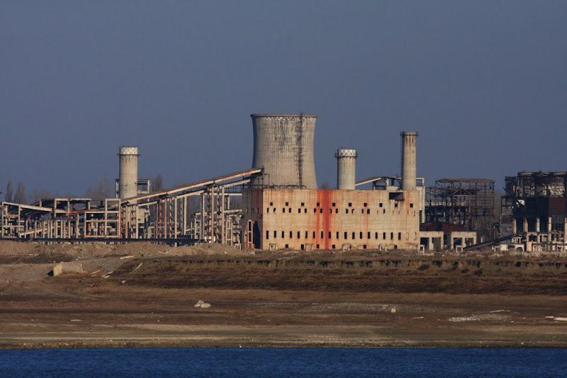 Calarasi fabrica iarna ruine industrie Iezer