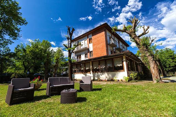 Hotel Delfin - albergo economico per vacanze in Versilia, vicino Forte dei Marmi