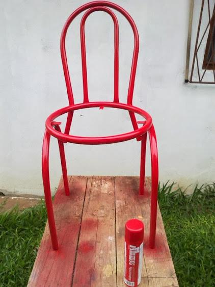 Customização de cadeira estofada
