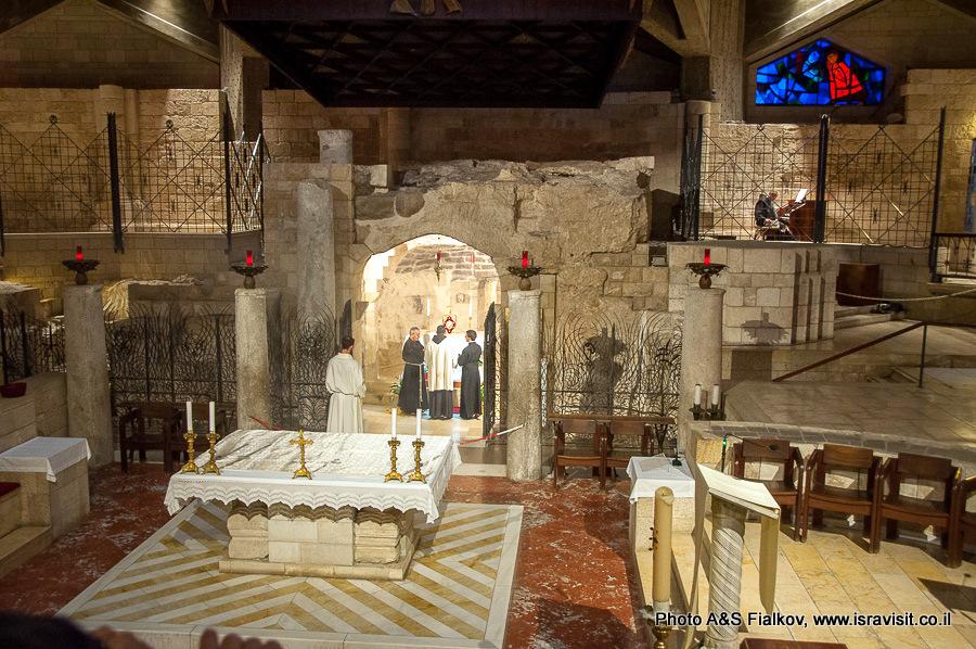 Грот Благовещения в базилике Благовещения в Назарете. Гид Светлана Фиалкова.