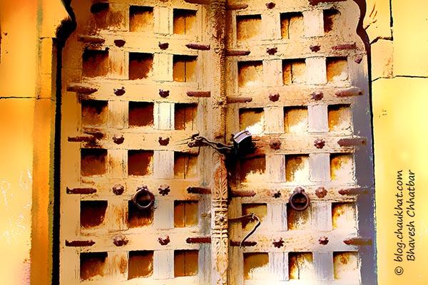 Photo painting of a door at Jaisalmer