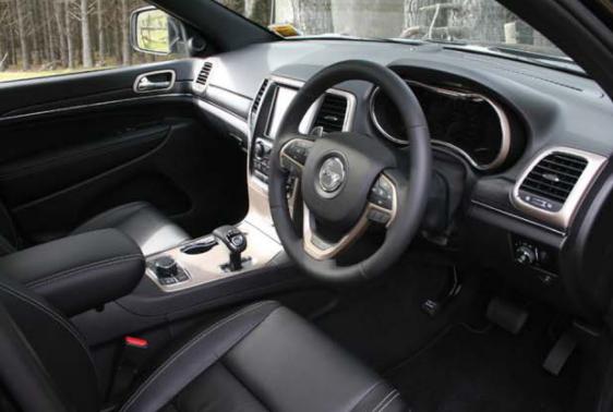 Jeep Grand Cherokee 2013 has a luxurious interior