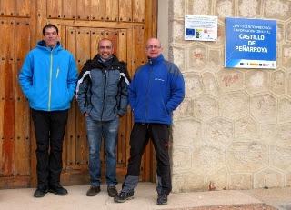 Miembros de Gemosclera y José Francisco en la puerta del Centro de Interpretación