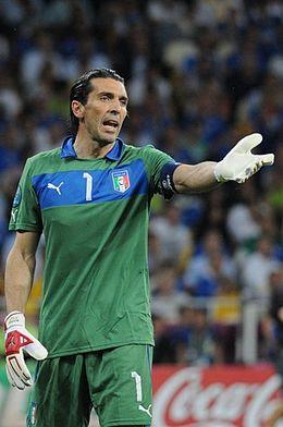 Gianluigi Buffon - 10 Transfer Termahal Pemain Sepakbola Sepanjang Masa