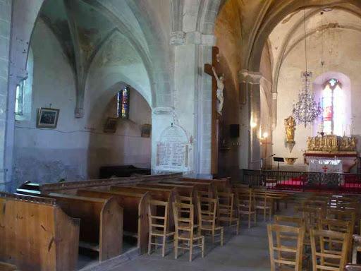 L'intérieur de l'église de Saint-Ilpize
