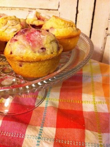 Farm Wife Journal: Farmhouse Sugar Crusted Raspberry Muffins