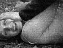يمني اغتصب فتاة وربط أمها على الشجرة