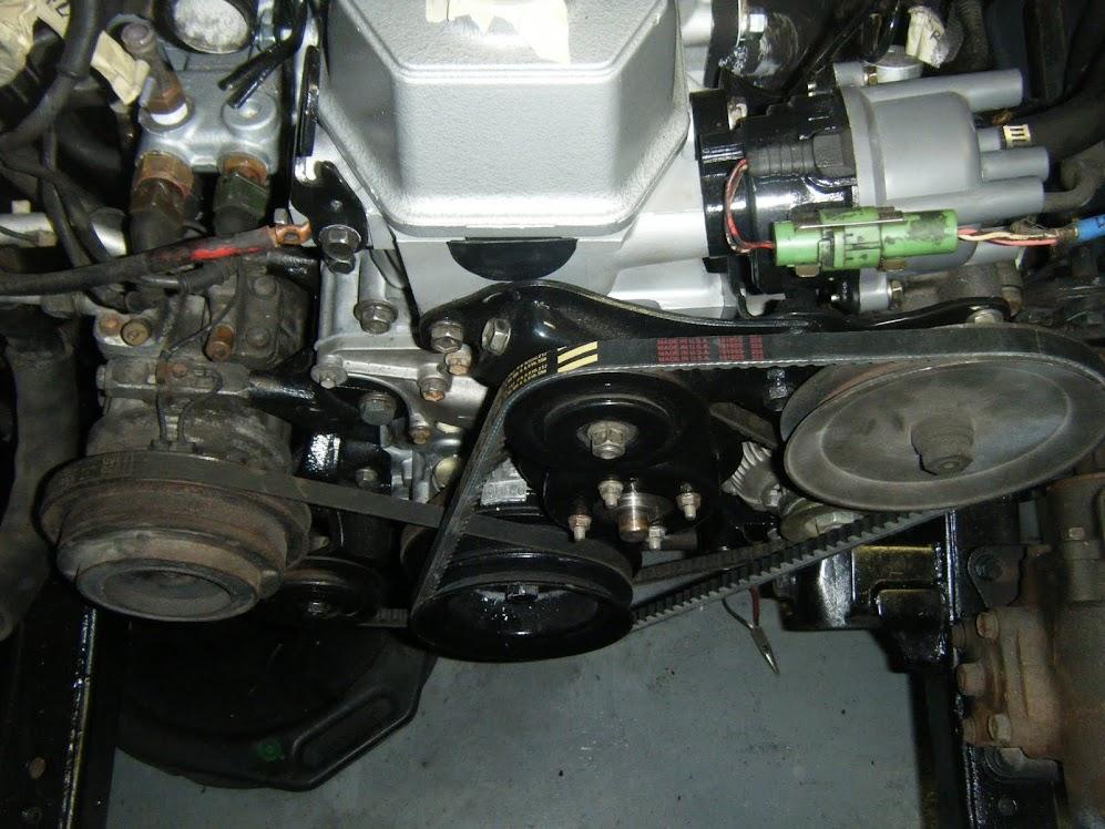 93 pickup 22re ac compressor bracket - pirate4x4.com : 4x4 ... 1994 toyota pickup 22re wiring diagram #8