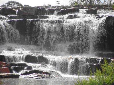 Cachoeira da Praia das Lajes em Cristalina