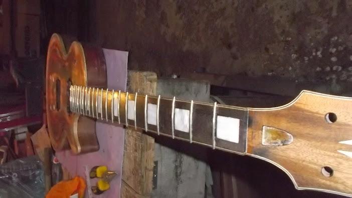 Construção inspirada Les Paul Custom, meu 1º projeto com braço colado (finalizado e com áudio) - Página 5 DSCF1558