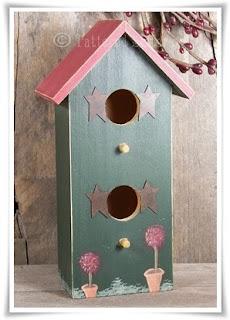 Primitive Spring Birdhouse