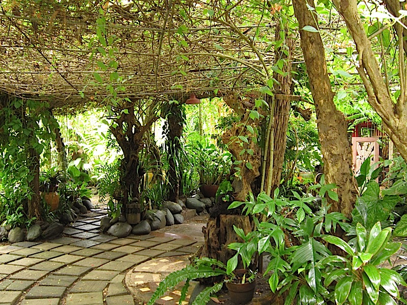 garden paths at Patis Tito Garden Café