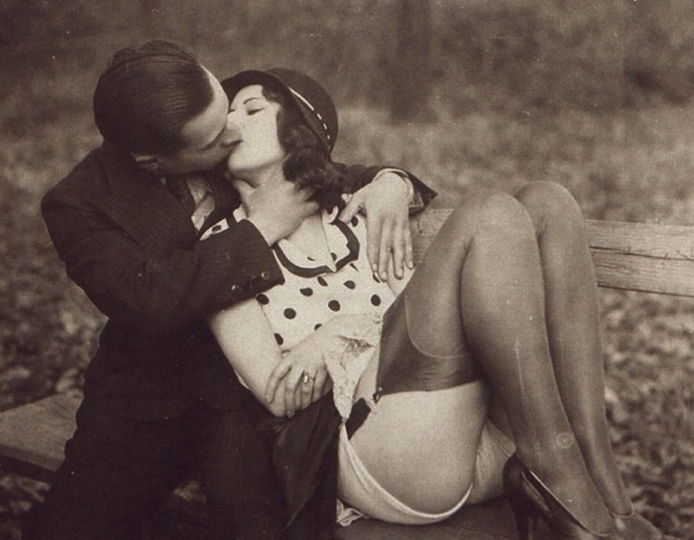 Here's wishing you a Happy & Frisky Vintage Valentines Day!