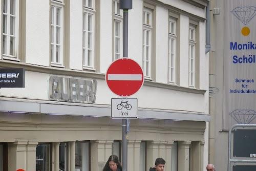 Wszystkie jednokierunkowe ulice w Stuttgarcie są dwukierunkowe dla rowerzystów.