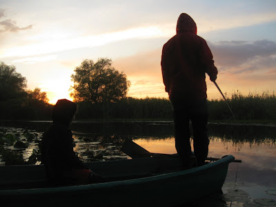 la pescuit in apus de soare