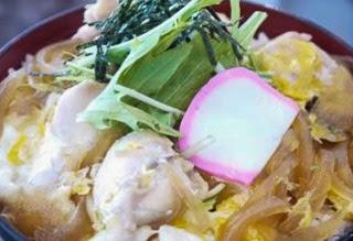 親子丼(味噌汁、漬物付)