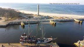na zdjeciu widok z latarni na port w Kołobrzegu
