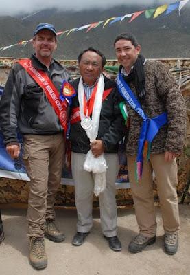 Alton Byers (2008 Hillary Medal winner), Ang Rita (2011 Hillary Medal winner) Beau Beza (Hillary Medal Committee chair)