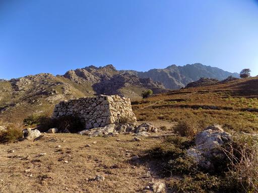 Sur la route du col de Fugata (Foata)