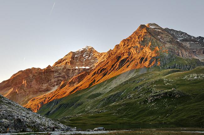 gr5-mont-blanc-briancon-mont-pourri-dome-sache-coucher-soleil.jpg