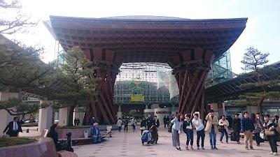 金沢駅に到着!まずは21世紀美術館に行きたい方へ