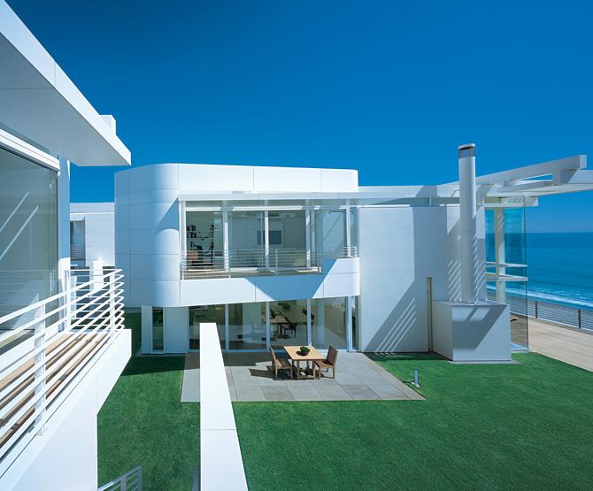 Ultra Minimal White Beach House | modern design by moderndesign.org