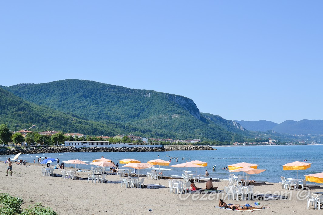 Cide merkezdeki halk plajı
